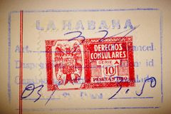 与邮戳的古色古香的西班牙人邮票 葡萄酒历史的philatel 免版税库存图片