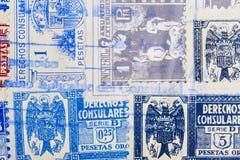与邮戳的古色古香的西班牙人邮票 葡萄酒历史的philatel 库存图片