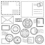 与邮戳邮票的老邮政信件 与平面边界标记、邮票标签和岗位墨水的古色古香的航空信 皇族释放例证