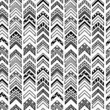 与部族主题的抽象几何无缝的手拉的样式 现代纹理 黑白照片无权背景 免版税库存照片