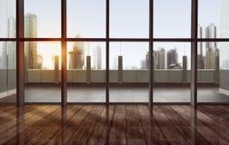 与都市风景和摩天大楼的安静的大阳台 免版税库存照片