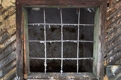 与酒吧的老葡萄酒窗口 库存图片