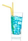 与酒精的普遍的蓝色夏威夷鸡尾酒 免版税库存照片