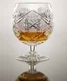 与酒精的水晶觚 免版税库存图片