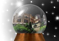 与里面马拉加大教堂的雪地球 免版税图库摄影