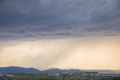 与重的阵雨的风暴 库存照片