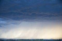与重的阵雨的风暴 免版税库存照片