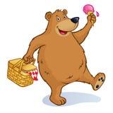 与野餐篮子和冰淇凌的熊 库存图片