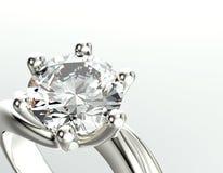 与金刚石或moissanite的金黄定婚戒指 首饰backg 库存照片