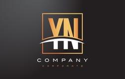 与金子正方形和Swoosh的YN Y N金黄信件商标设计 库存图片