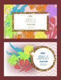 与金子的邀请卡片构造了框架、花和丝带 免版税库存照片