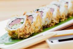 与金枪鱼的寿司卷 免版税图库摄影