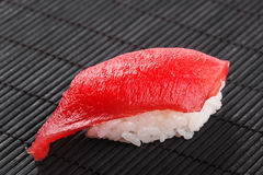 与金枪鱼的寿司 库存照片
