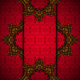 与金皇家框架的红色背景  免版税库存照片