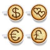 与金钱和心脏标志的热奶咖啡 皇族释放例证