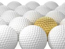 与金黄一个的白色高尔夫球 3d例证 库存照片