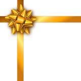 与金黄丝带和弓的节日礼物卡片 名片的模板,横幅,海报,飞行物,笔记本,邀请 图库摄影