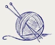 与针的纱线球 免版税库存图片