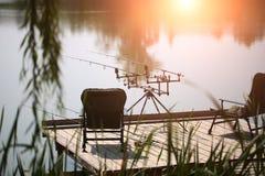 与钓鱼竿的美丽的景色 库存照片