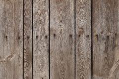 与钢坠子的老木板条钉牢纹理背景 老纹理木头 板条垂直木 图库摄影