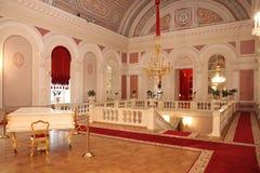 与钢琴的休息室在Bolshoi剧院 莫斯科 26 04 2018年 免版税库存图片