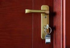 与钥匙的门 免版税库存照片