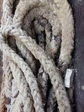 与铁铁锈的老绳索 免版税图库摄影
