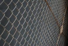 与铁锈的铁丝网 库存图片