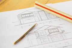 与铅笔和统治者的建筑学图画 库存照片