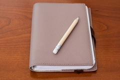 与铅笔的块笔记 免版税图库摄影