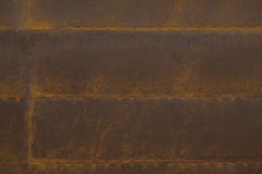 与铆钉的生锈的钢板条 免版税库存图片