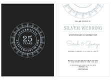 25与银色徽章的周年 库存图片