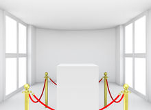 与铺磁砖的立场障碍的陈列室展览的 免版税库存图片