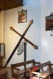 与链子的复活节十字架欢乐游行的 免版税库存照片