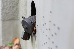 与锁的老油用户线路在南g历史大厦  库存图片