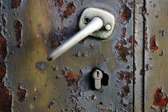 与锁的门把手 库存图片