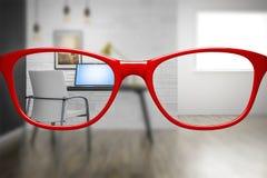 与锋利和被弄脏的家庭办公室的红色玻璃 库存例证