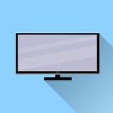 与长的阴影的电视象 在蓝色背景的平的设计 免版税库存照片