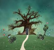 与门户开放主义的幻想树在一个绿色领域 向量例证