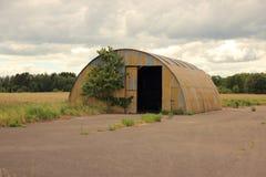 与门户开放主义的金属板风雨棚 免版税库存照片