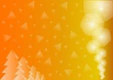 与闪闪发光的金黄背景和三角和云杉 免版税图库摄影