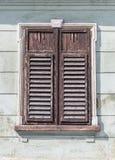 与闭合的快门的视窗 图库摄影