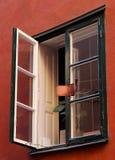 与闲话镜子的开窗口 免版税库存图片