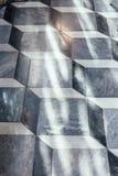 与阳光的花岗岩瓦片立方体地板样式在婚礼地方在曼谷,泰国 库存图片