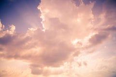 与阳光的软的云彩 库存照片