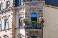 与阳台的巴洛克式的门面 库存照片