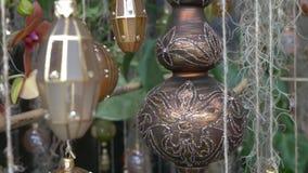 与阿拉伯灯和装饰装饰品的Eid穆巴拉克庆祝 股票视频