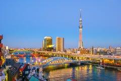 与隅田川的东京地平线 库存图片