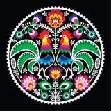 与雄鸡的波兰花卉刺绣-传统民间样式 库存照片
