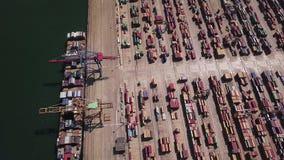 与集装箱船的工业货物区域在口岸的船坞,鸟瞰图 影视素材